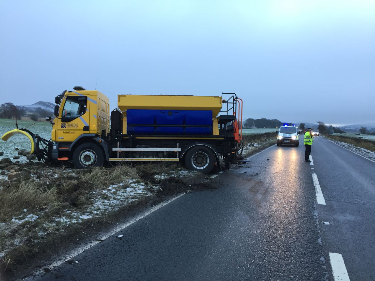 Police in parts of Scotland have advised drivers to avoid going out on the roads unless 'absolutely necessary' https://t.co/dmhXdNyFDY