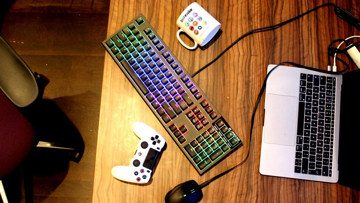 Increase your chances of PUBG chicken dinner with one of these: the best gaming keyboards of 2017 https://t.co/PyRrdK29Sh