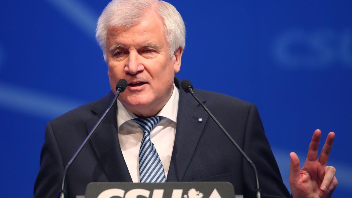 CSU-Parteitag: Seehofer verpasst Merkel einen Seitenhieb https://t.co/VpPYM4Zia6