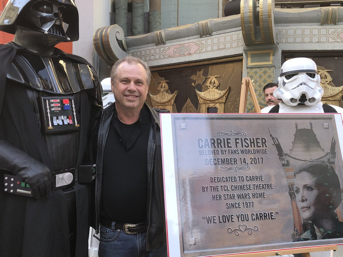 ICYMI: Carrie Fisher was honored by her brother at the TCL Chinese Theatre https://t.co/nbuif1BCz6 #TheLastJedi
