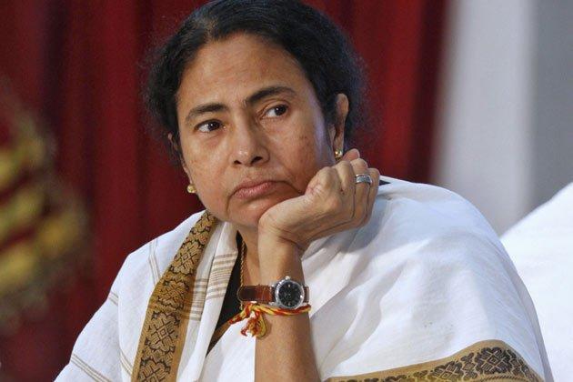 #NewsAlert   West Bengal CM Mamata Banerjee writes to Finance Minister Arun Jaitley, opposing the proposed FRDI Bill