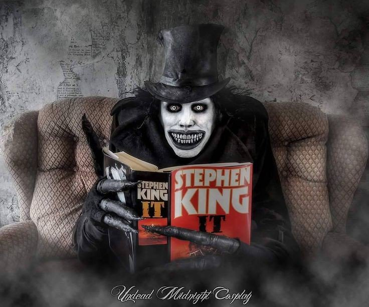 You know you&#39;re a legend when even #TheBabadook is a fan!!! #StephenKing #IT <br>http://pic.twitter.com/NDBiMUULze