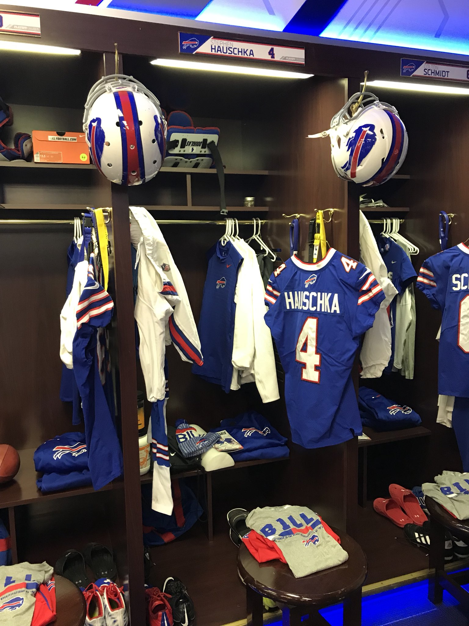 Blue jerseys white pants tomorrow at home v Miami Go #Bills https://t.co/wT4hgR8zsR