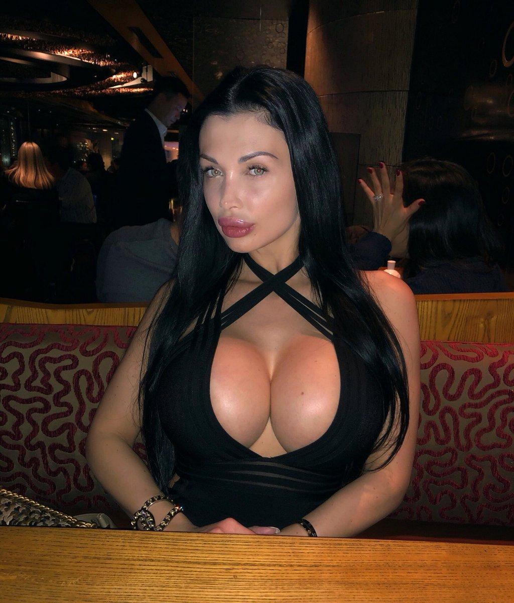 Aletta Ocean-pornstar twitter @ALETTAOCEANXXXX