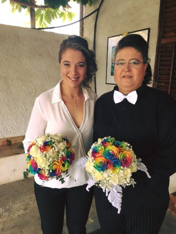 Matrimonio a Campofelice di Roccella, Francesca e Giada spose e felici - https://t.co/15tkiKFbia #blogsicilianotizie