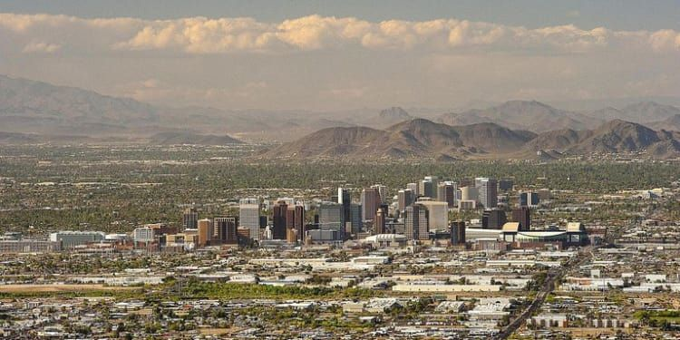 Phoenix on the Rise: The City of Growth buff.ly/2C1n09e