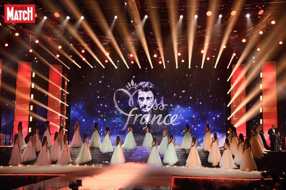 Miss France 2018: les candidates rendent hommage à Johnny Hallyday @MissFrance #MissFrance #MissFrance20182#JohnnyHallyday0https://t.co/caERShr2Lg18