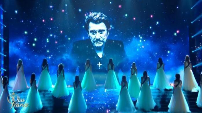 VIDÉO - Miss France 2018 : l'hommage des 30 prétendantes à Johnny Hallyday https://t.co/FMYyn1kwN5