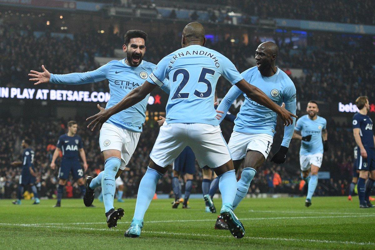 El City golea al Tottenham (4-1) y domina la Premier con puño de hierro