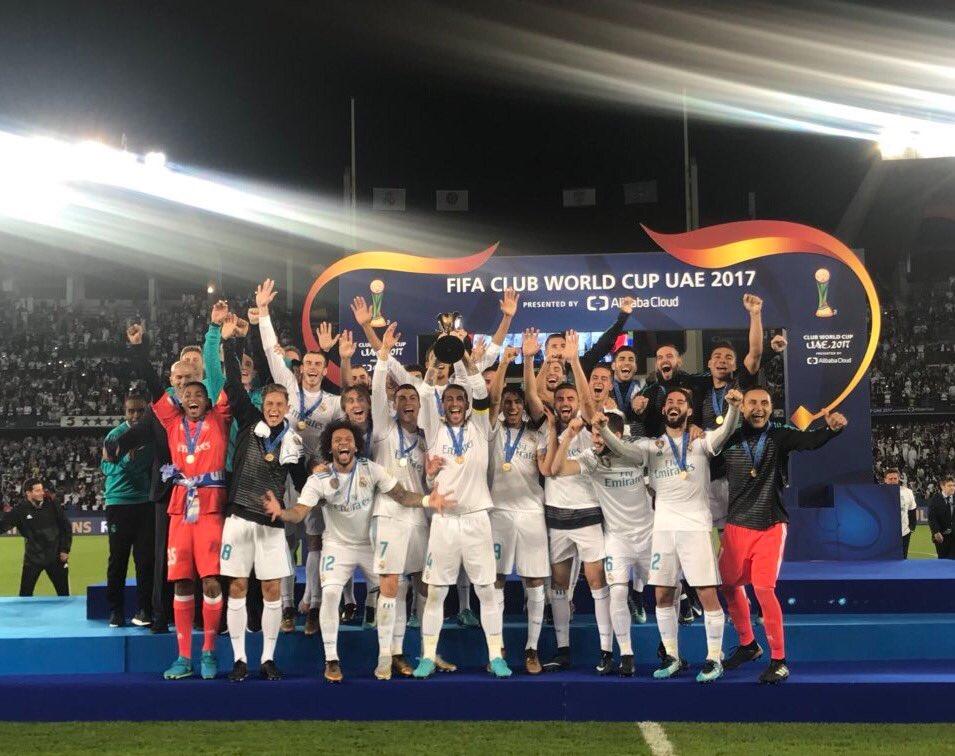 Felicito al @realmadrid y a su afición por alzar el título del Mundial de Clubes. Orgulloso de que el mejor equipo de fútbol del mundo sea español. MR