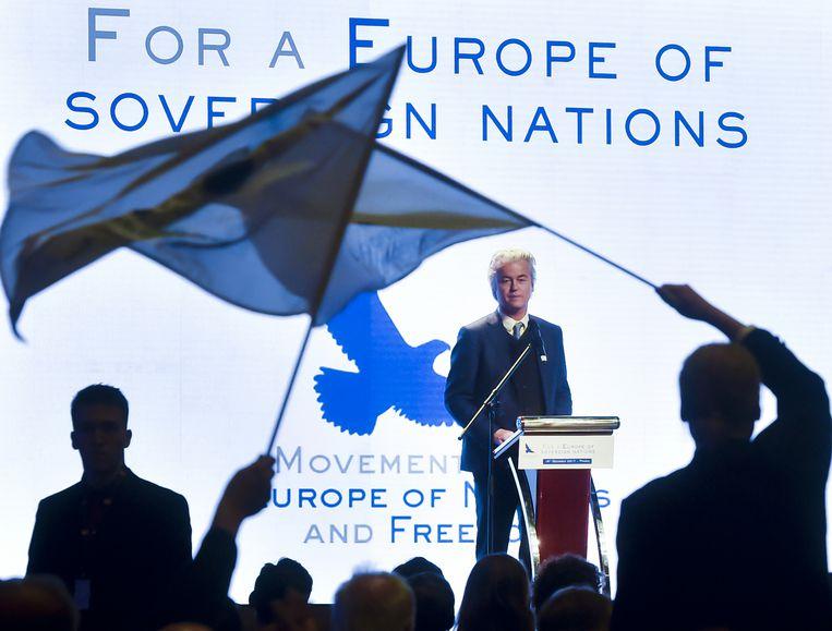 test Twitter Media - Wilders wil 'Trumpiaans' vluchtelingenbeleid met grensmuren https://t.co/zuE7wxsql5 #hln https://t.co/JunMfRt7Gr