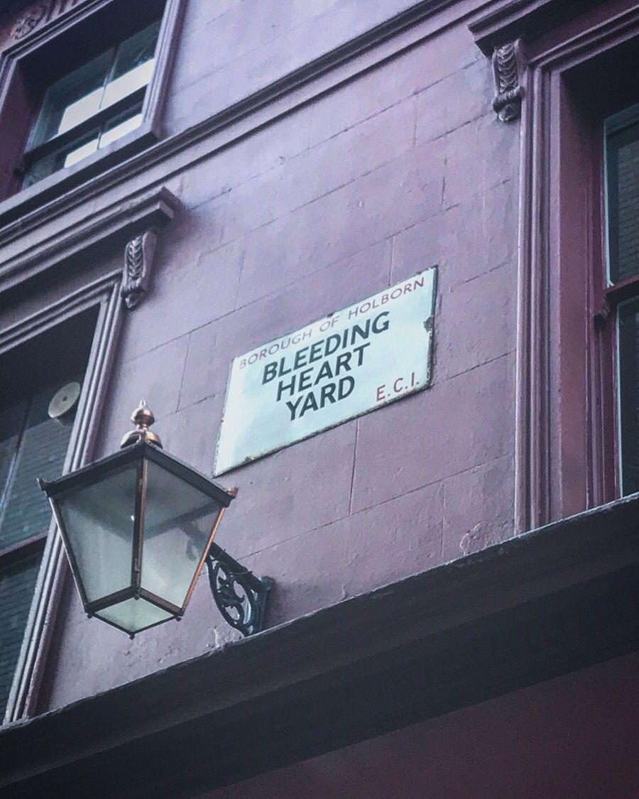 Only in London. #unfortunate https://t.co/NPl3awAidu