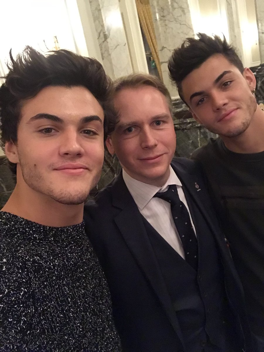 A very happy birthday to @EthanDolan and @GraysonDolan who both turned 18 today! I hope you are both celebrating in style gentlemen. #graysondolanturns18 #birthday <br>http://pic.twitter.com/rWfAkRI3BN