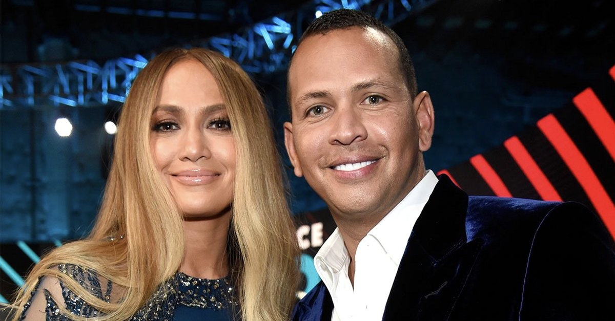 Deck the halls! @JLo and @AROD are getting ready for Christmas, and making us feel REALLY single over the holidays. https://t.co/Nv4HBAYnFT