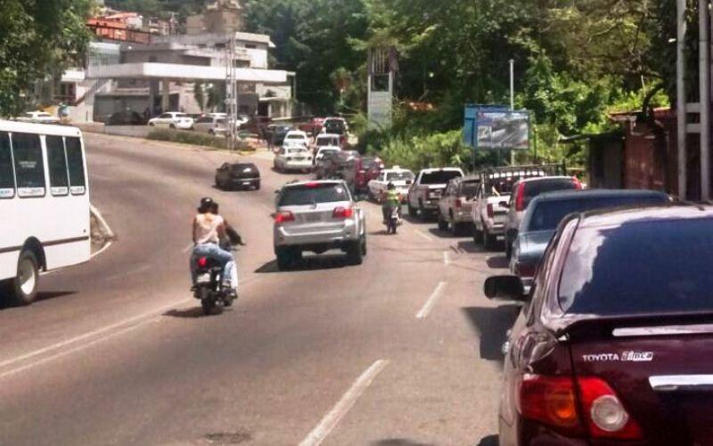 #16Dic Fuerte escasez de gasolina mantie...