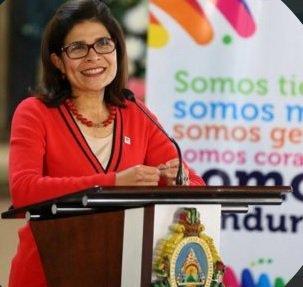 Hermana del presidente de Honduras y otras 5 personas mueren en accidente de helicóptero https://t.co/0ynqA4fwbn