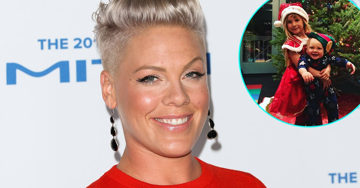Santa's little helpers! @Pink has an adorable holiday duo on her hands. https://t.co/hcrzEzobgN