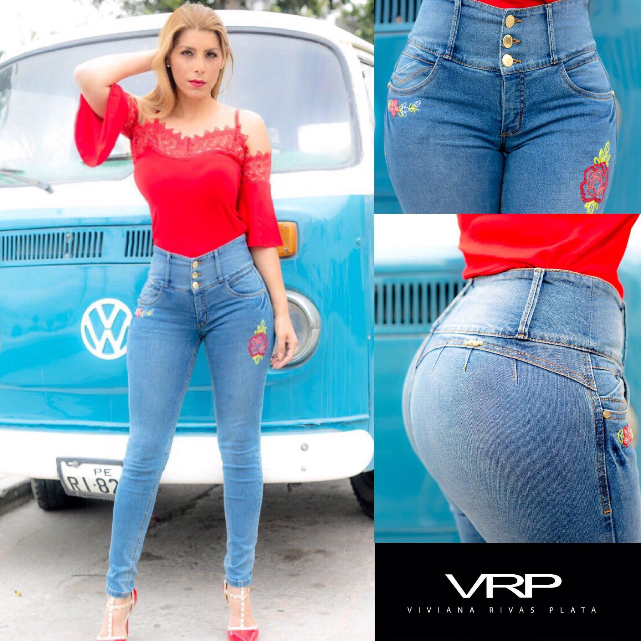 Viviana Rivasplata Nude Photos 41