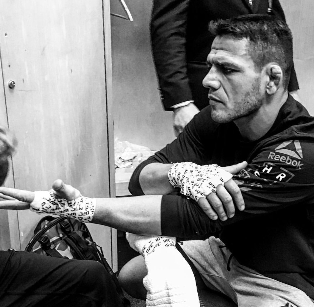 RDA wrapped and ready.   @RdosAnjosMMA #UFCWinnipeg