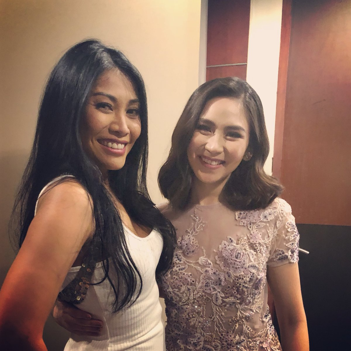 Met the very talented and kind Sarah Geronimo @JustSarahG at @ASAPOFFICIAL show today 💝💝💝