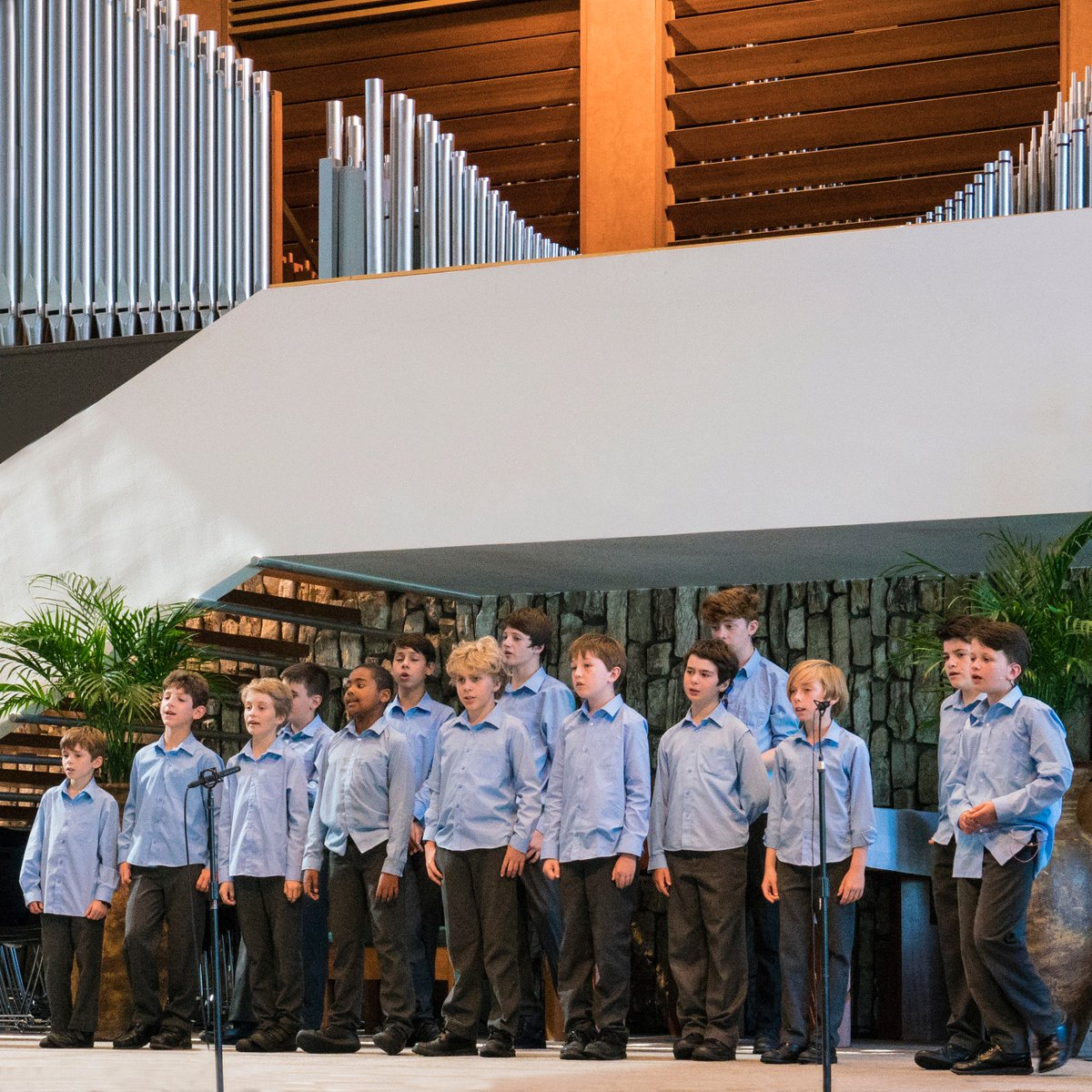 Sound check before @officialLibera performance at Christ Cathedral in Garden Grove, #California. July 28, 2017.  #libera #uslibera #liberaboyschoir #boyschoir #choir #choirboys #choirmusic #charity #newagemusic #childrenschoir #ChristCathedral #GardenGrove #LiberaUSA2017<br>http://pic.twitter.com/P5ALrwco9V