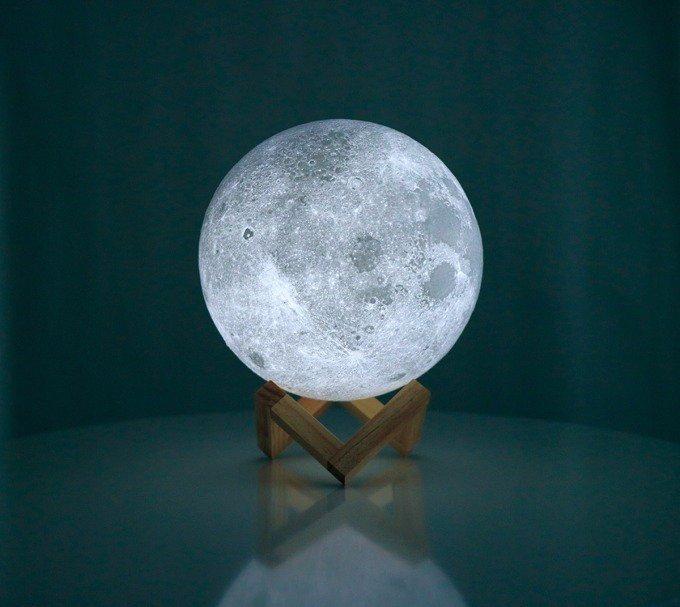 3Dプリンターで月を再現、ワイヤレスLED照明「ムーンライト」蔦屋書店にて発売 - https://t.co/KOdhhLZ4zI