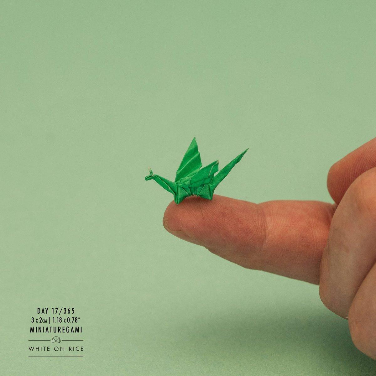 Мини оригами из бумаги, созданные при помощи пинцета, покорили сеть!
