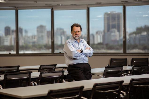 Eduardo Loyo é sócio do BTG Pactual | 'Após queda recorde da Selic, desafio é cortar juro de banco', diz economista https://t.co/lLt0DNHdJ0
