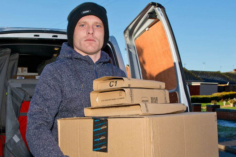Driver took home £150 in a week after delivering 300 parcels a day for Amazon https://t.co/6VIz2Lq5Pj
