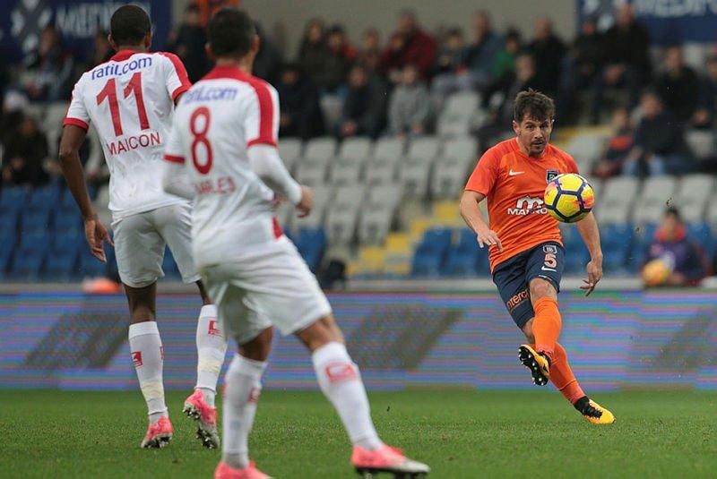 Maç sonucu: M. Başakşehir 4-1 Antalyaspo...