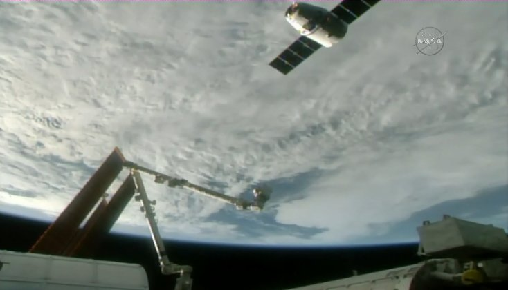 Dragon is ~30 meters from the @Space_Station. Watch live → https://t.co/rdhLIxXhnI