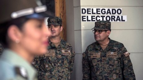 RT @CBCWorldNews: Chileans vote in fiercely contested presidential election https://t.co/gps9FFUvWE https://t.co/jVyqrQ47lH