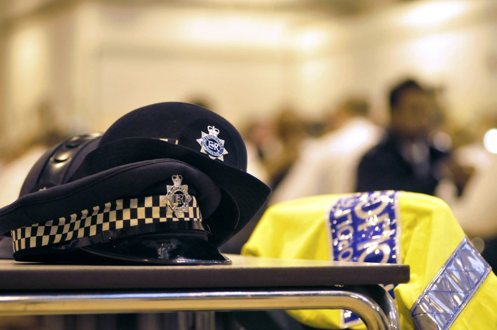 Officers seriously injured in A406 collision #Brent https://t.co/1uFG2T4ao2