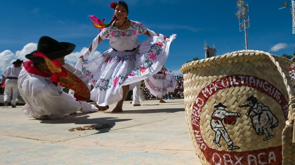 Oaxaca (Mexico's most exotic state) makes you forget about the beach...but don't worry, it's there when you need it! https://t.co/pcX0qT7NBB