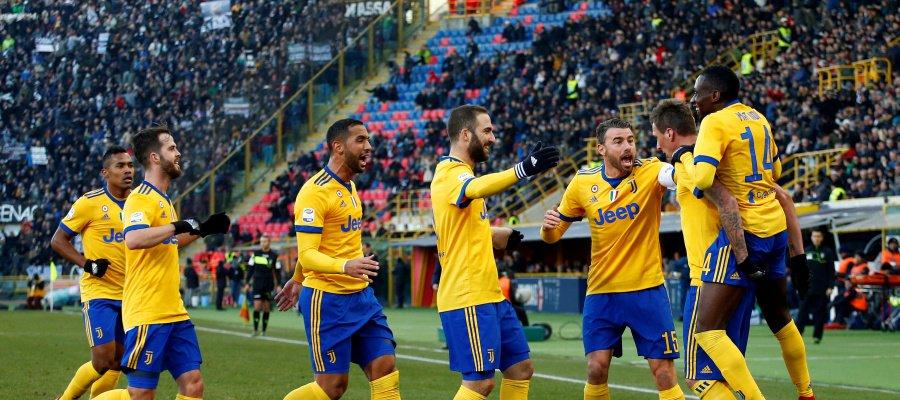 La Juventus gana al Bolonia y se acerca...