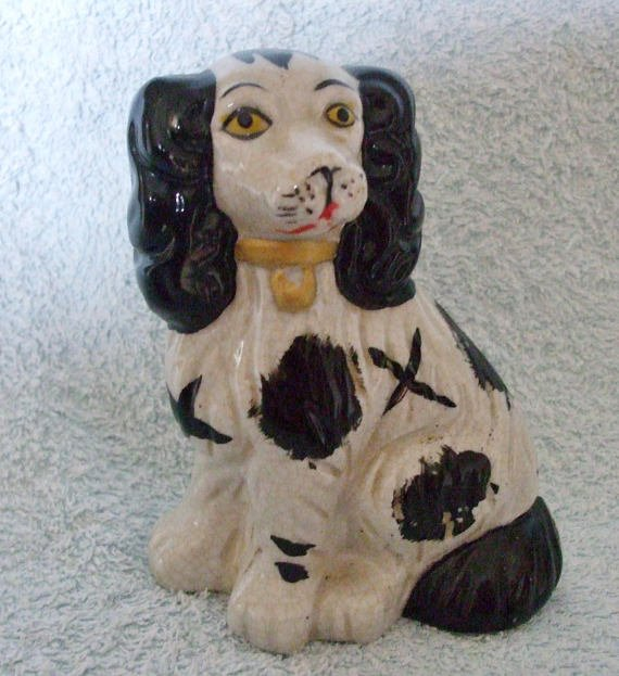 Small Staffordshire Type Black and White Spaniel #gifts #Vintagedecor #Lovevintage #vintageforall #vintage #followvintage #vintageshowandsell #decor #vintagedecor #dogs #etsy #ebay #porcelain #interiors #cute #giftideas #gift #vintagegifts #etsyforall   https://www. etsy.com/uk/listing/551 140886/small-staffordshire-type-black-and-white?ref=shop_home_active_49 &nbsp; … <br>http://pic.twitter.com/14tWKHDsUf