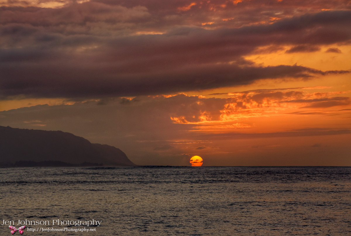Haleiwa #Sunset in #Hawaii @spann @jimcantore @Ginger_Zee #travel #photography #island #oahu #honolulu https://t.co/FWcbPAb4WP