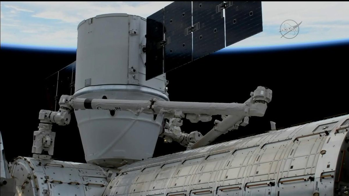 The @SpaceX #Dragon cargo vehicle was successfully installed on @Space_Station at 8:26am ET, where it will stay until returning to Earth on Jan. 13 with results of previous experiments. https://t.co/FRrjhIw77o