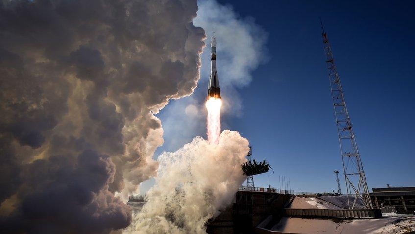 #Tecnología | Un cohete Soyuz despega hacia la ISS con tres astronautas a bordo https://t.co/6yX8PJyYaS https://t.co/T890cvae53