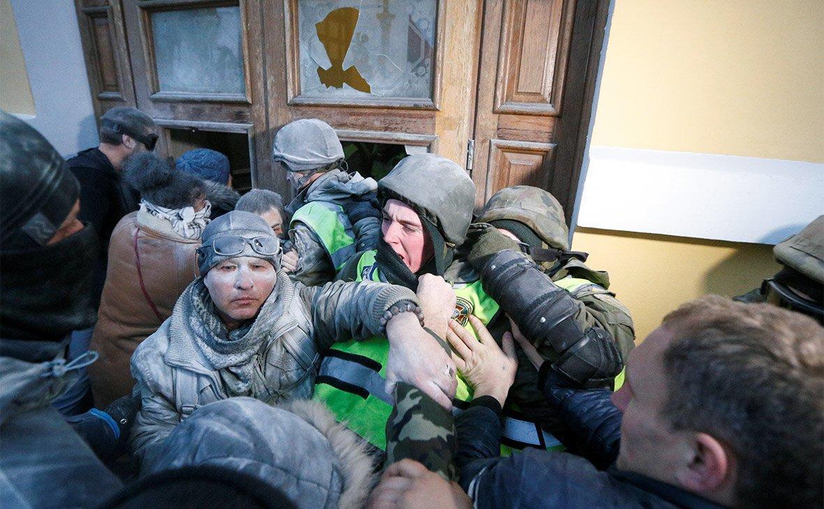 """Битва за """"Октябрьский дворец"""""""