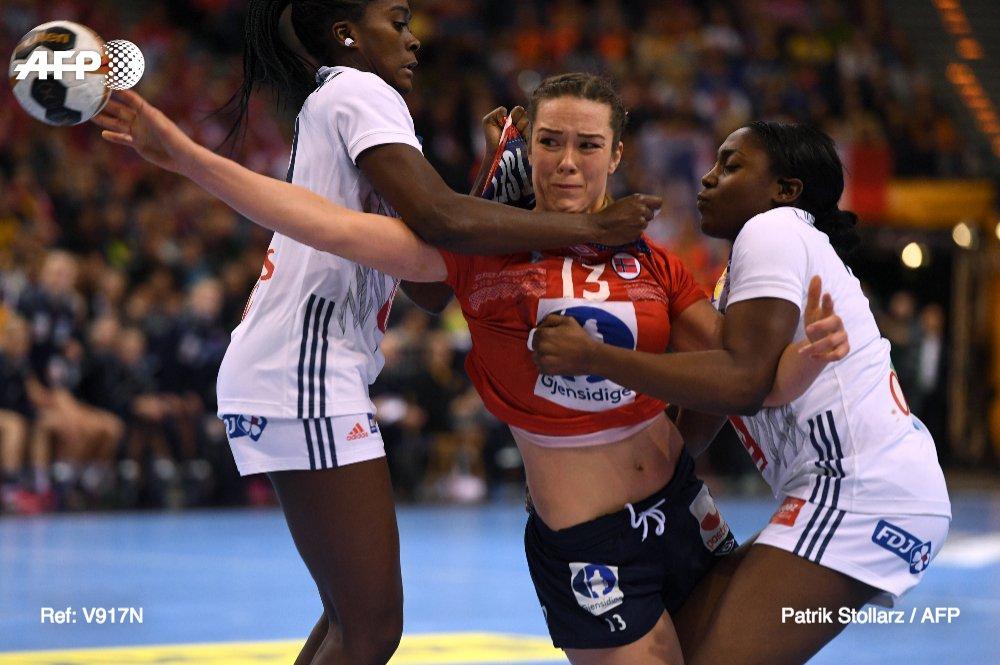 Les handballeuses françaises championnes du monde ! #AFP #FRANOR