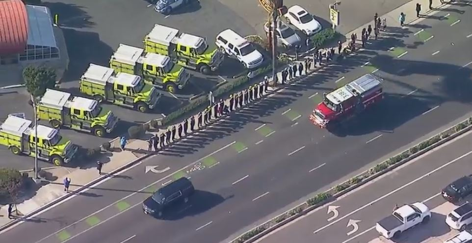 #LIVE Hundreds of citizens and first responders have lined the route to honor Cory Iverson  http:// abc7.com/live/23340  &nbsp;  <br>http://pic.twitter.com/qrd0rCbKh8