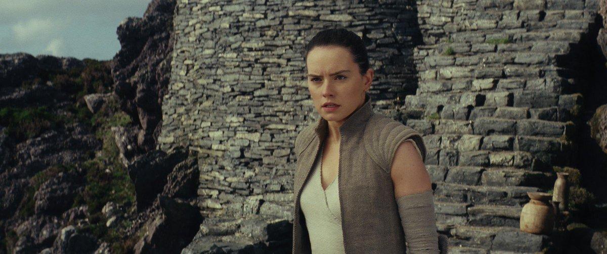 'Star Wars: Os últimos Jedi' tem 2º melhor fim de semana de estreia da história dos EUA https://t.co/4sBdkIBYIV #G1 #StarWarsTheLastJedi