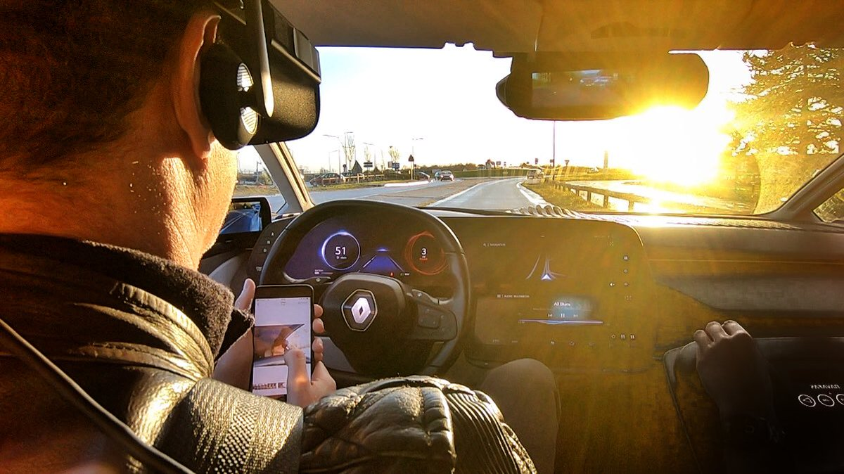 Sometimes the stills tell a better story than the video - so here's a few from my #RenaultSYMBIOZ test drive few weeks ago... #VR #AutonomousDriving #IoT #EV #cars #INNOVATIONbyRenault #innovation <br>http://pic.twitter.com/PsHSwG1uIZ
