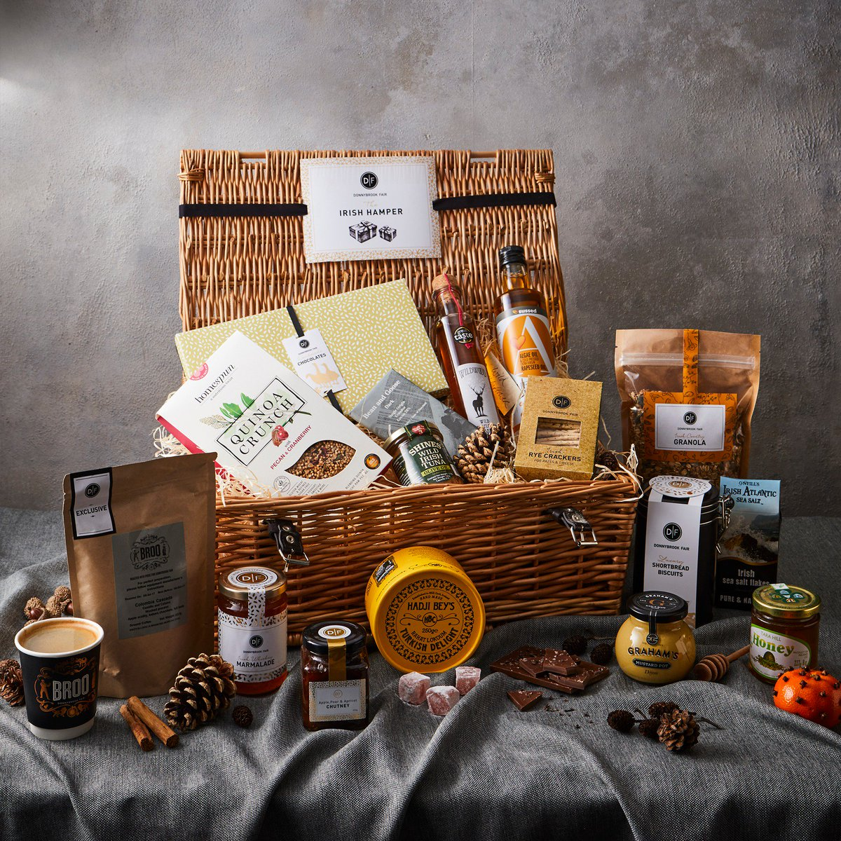 Homespun on twitter tis the season for christmas hampers with three of theirs the luxury irish hamper the gluten free hamper the 1843 hamper exclusively created for arnottsdublinpicitterizl8ucvnqs negle Choice Image