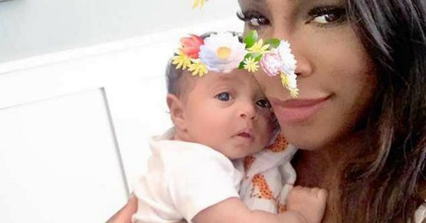 Teething is no fun for baby Alexis Olympia or her mom Serena Williams. https://t.co/S9CLaG6sHg