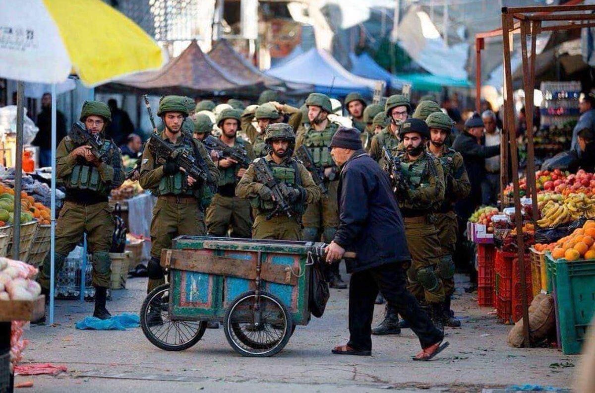 #Israel occupation of #Palestine Pictures says it all;  #Palestinian #PalestineWillBeFree   #Jerusalem <br>http://pic.twitter.com/ANPFuCJpZq