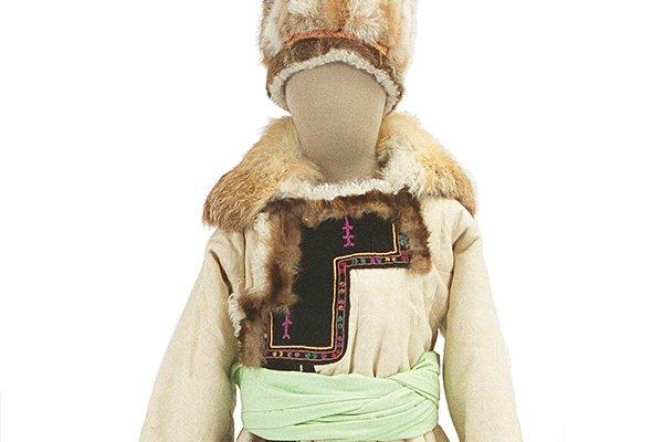 [明日から開催] 「寒さと衣服」展が文化学園服飾博物館にて開催 - 実用性と美しさをもつ、寒い地域の民族衣装 - https://t.co/XksAg6ZKC0
