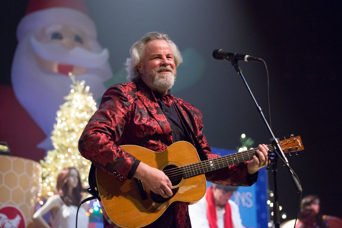 RT @austin360: Photos: Robert Earl Keen's Fam-O-Lee Back to the Country Jamboree https://t.co/An3qWULGS7 https://t.co/kNQWqpO3xI