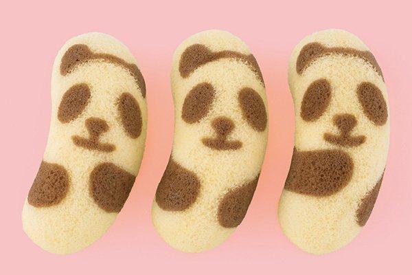 """[明日発売] パンダになった「東京ばな奈」バナナヨーグルト味で登場 - 上野のパンダ""""シャンシャン""""誕生記念 - https://t.co/XlOu1PpxFJ"""